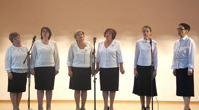 Ансамбль «Мелодия» покорил профессиональным исполнением.